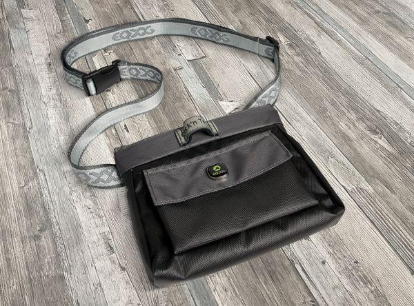 EQDOG Click'n Treat Bag Black / D.Grey